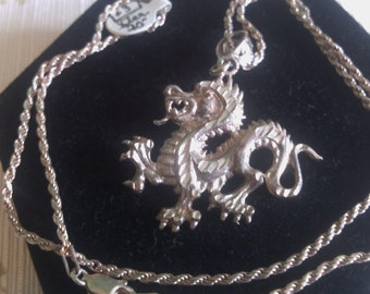 Dancing Dragon on Twisted Chain.