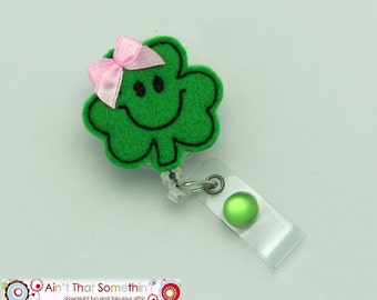 St. Patricks Day Clover Retractable Badge Reel - Green Felt Clover Badge Clip - Lucky Clover ID Holder - Fun Badge Reels - Gifts Under 10