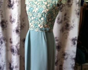 1950 wiggle dress