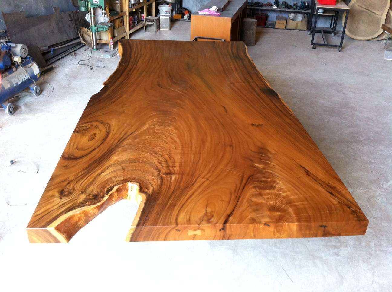 live edge dining table top reclaimed extremely rare solid slab. Black Bedroom Furniture Sets. Home Design Ideas