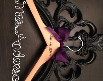 Rustic Bridal Hanger / Bride Hanger / Burned Wedding Date / Wedding Hanger / Vintage Wedding / Rustic Wedding / Personalized Hanger