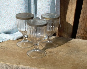 Set of Three Glasss Goblet Dessert Cups With Lids