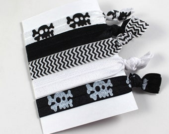 Set of 5 Skull and Chevron Elastic Hair Ties in Black & White