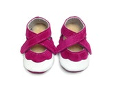 Handmade lambswool lined soft soled leather baby shoes.  Hot pink and white baby girl crib shoes,