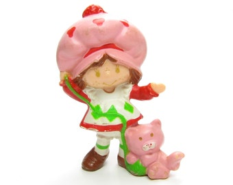 Strawberry Shortcake Playing with Custard Vintage Miniature PVC Figurine with Ball of Yarn