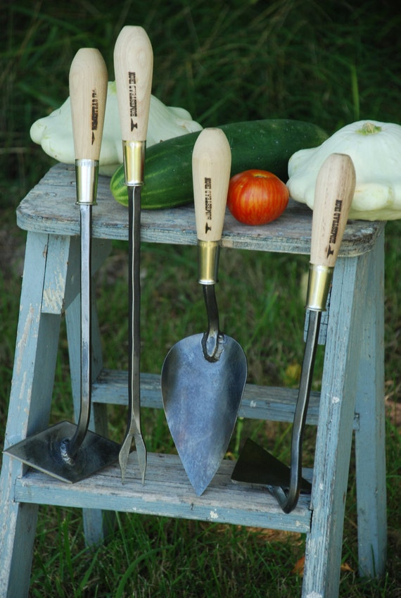 Garden tool gift set scuffle weeder weeding fork large for Big hands for gardening