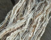 Skein of textured yarns and threads - naturals