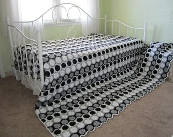 granny square bed etsy. Black Bedroom Furniture Sets. Home Design Ideas