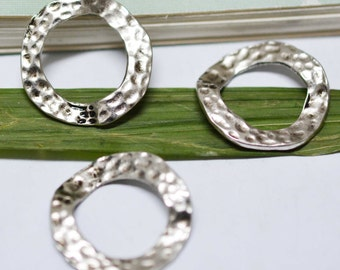 Hammered Rings -15pcs Antique Silver Twisting Ring Charm Pendants 25mm AA102-4