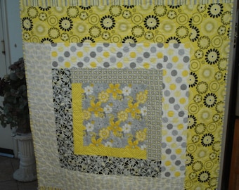 A Baby Blanket, Crib Quilt, Lap Quilt, Log Cabin Pattern, Machine Quilted