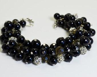 Black Pearl bracelet, Black Pearl and Rhinestone Bracelet, chunky bracelet. wedding bracelet, black beaded bracelet, black crystal bracelet