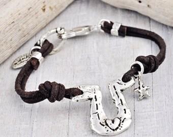 Big Horseshoe Bracelet - Leather Bracelet -Horseshoe Jewelry - Cowgirl Jewelry - B309