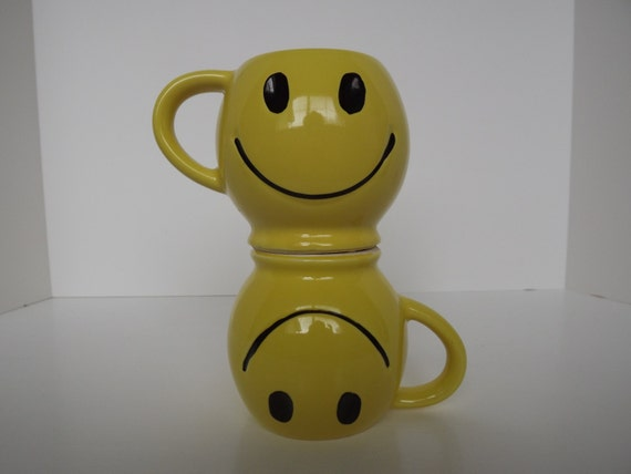 Vintage Retro Pair Of  Mc Coy Pottery Yellow Happy Face Mugs Circa 1971