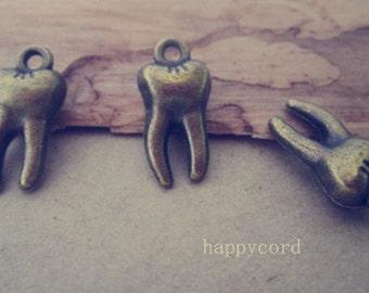 20pcs antique bronze teeth Charms pendant 7mmx16mm