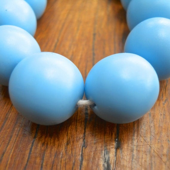 14mm resin ball beads 1 x whole strand of approx 30 in solid sky blue
