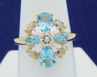 Absolutely Stunning Blue and White Topaz 14K Gold Ring Size 6