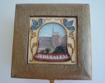 Vintage Judaica hand made fruitwood trinket box by Laserart, Israel
