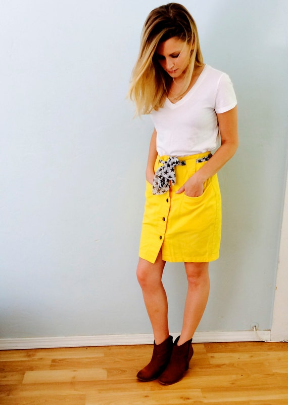 Bright Yellow Skirt 40