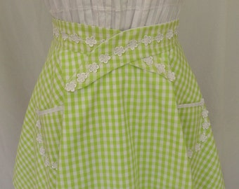Plus Size Half Apron with pockets, Women's green with white lace trim apron