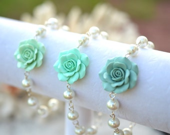 1 pcs of Mint Green Rose Bracelet, Mint Green and Pearls Rose Flower Bracelet, Mint Green Jewelry color theme, Mint Green Bridesmaid Jewelry