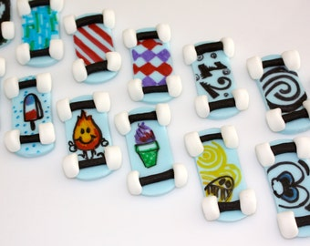 SKATEBOARD ADDICT  -  Fondant Cupcake, and Cookie Toppers - 1 Dozen