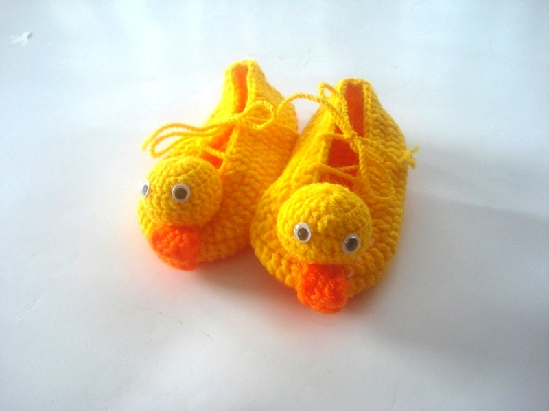 Puppy Dog Baby Hat Crochet Pattern : yellow duck Baby Booties baby slippers crochet baby shoes