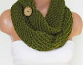 Hand Knitted Infinity Loop Scarf,Neckwarmer Green Circle Scarf With Wooden Button ,Cowl , Winter Accessories,Fall Fashion.,Chunky Scarf.