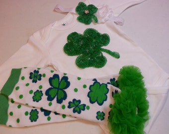 Girls St Patrick's Day Outfit, Green Shamrock Onesie, Green Shamrock Headband, Toddler St Patricks Day Outfit, Baby St Patricks Day Outfit