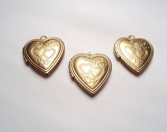 3 pcs - Brass Heart lockets with floral design - m226