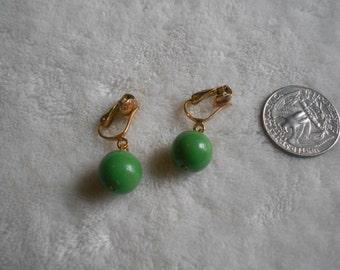 Vtg Clip On Earrings-Gremlin Green Bobble Dangles-C2669