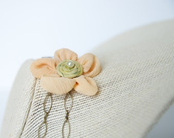 Organza Flower and Pearl Necklace