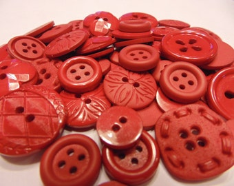 30 piece red button mix, 10-20 mm (B11)