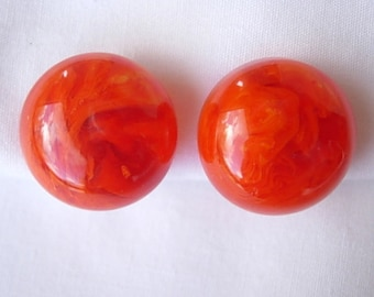 Orange Bakelite Earrings Vintage Marbled Domed Dimensional Button Clip On Gold Tone Metal Simichrome Tested Excellent Condition 1950s 50s