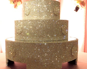 Crystal and Brooch Cake Stand and Separators Package