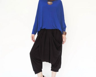 NO.142   Black Rayon Pleated Front Drop Crotch Shorts, Mega Pocket Capri Pants