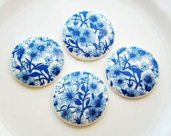 Vintage Blue and White Floral Chintz 28mm Round Cabochons Plastic - 4