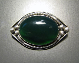 Vintage ADVENTURINE Cabochon and Sterling Silver Brooch -- 16g, Most Likely Israel Made