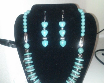 Turquoise beaded necklace earrings 18 inch