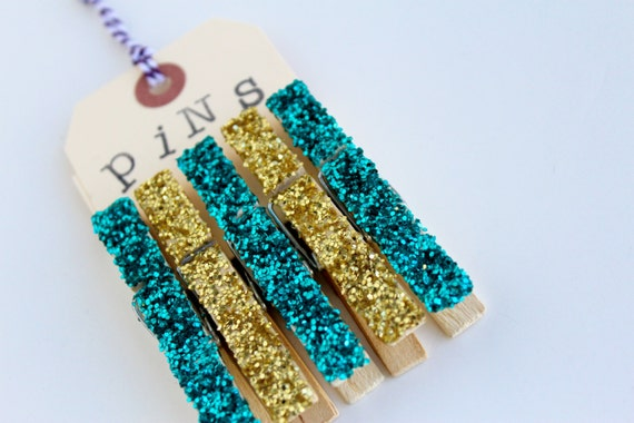 CLEARANCE!! Wooden Clothespins, decorative, party, decoration, wedding supply - glitter - set of 5