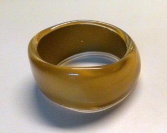 Vintage Metalic Gold MOD Hard Plastic Wavey Bangle Bracelet