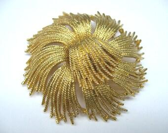 MODERNIST Vintage 1970s MONET Gold Florentine ABSTRACT Rope Swirl Designer Brooch Pin Statement Couture Retro Runway Estate Jewelry