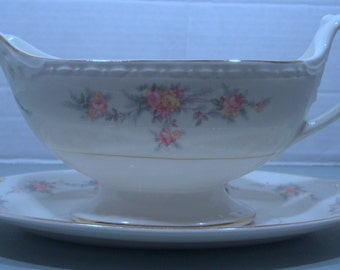 Homer Laughlin Countess Pattern - Eggshell Georgian Gravy Boat and Underplate - 1950s