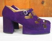 Vintage 1970's Purple Suede Platform Shoes Chunky Disco Glam Groovy size 6 Women's Platform shoes in excellent vintage condition.
