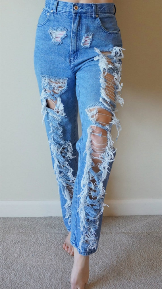Vintage high waisted ripped jeans