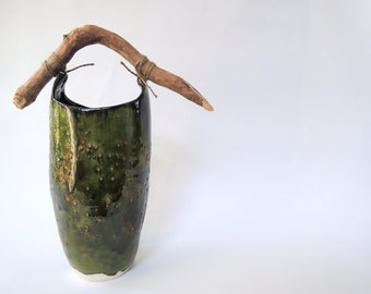 Vivid green 'Pail' / vase with natural wooden handle
