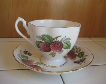 Vtg Queen Anne China Tea Cup Bone China Vintage Tea Cup