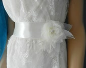 Wedding Belt, Bridal Belt, Bridal Dress Sashes Belts, Silk Ivory Flower Sash, Wedding Dress Sash Belt, Rhinestone Flower Belt, Ribbon Belt