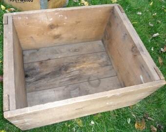 Vintage Wood Crate, Bordens Milk Crate, Babylon Milk Crate, Reclaimed Wood Storage Box, Vintage Cottage Chic Crate, Vintage Milk Crate