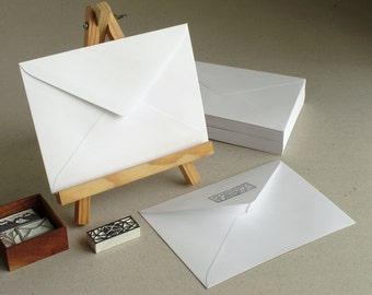 "50 C6 White Envelopes - made of ribbed paper - triangle flap - for A6 cards and 4x6 photos - Size: 114 x 162 mm. (4 1/2"" x 6 3/8"")"