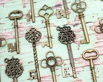 30 Large Skeleton Key Collection Antiqued Brass Wedding Key Wholesale Lot  Bulk Key Of December